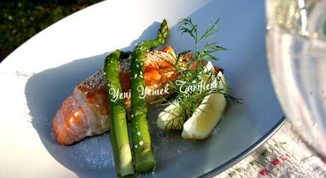 Somon Balıklı Puf Böreği